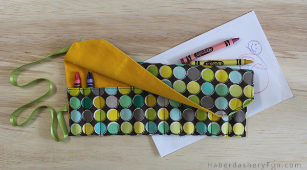 Make A Travel Crayon Roll