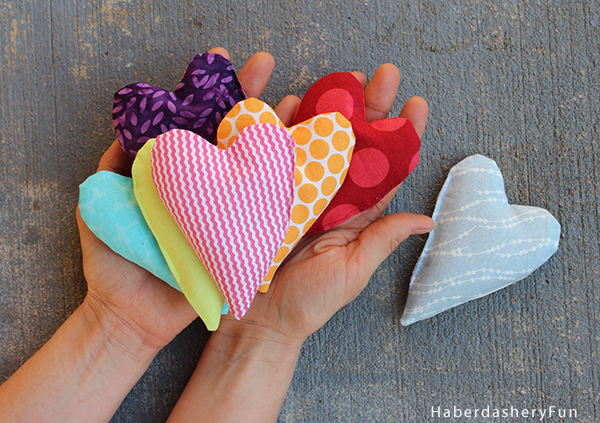 diy mini heart shaped hand warmers haberdashery fun