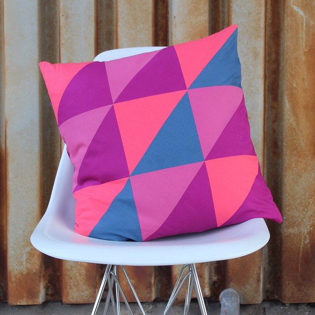 It's pillow time today! I've been wanting to make this pillow forever. Head to the blog to find out where my color scheme comes from. #haberdasheryfun #fqschallenge #custompillow #colorpop