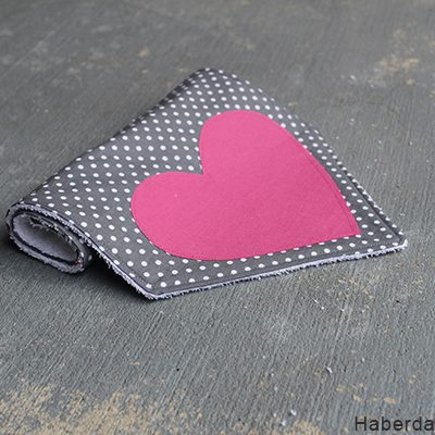 DIY.. Sew Heart Shaped Baby Burp Cloths