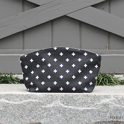 Tips On Sewing the Curvy Zipper Pouch