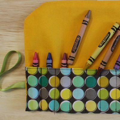 DIY.. Make A Travel Crayon Roll