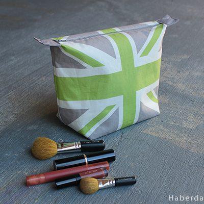 DIY.. Riley Blake Designs Union Jack Make-up Case