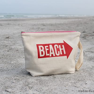 Sew A Large Canvas Zipper Beach Pouch